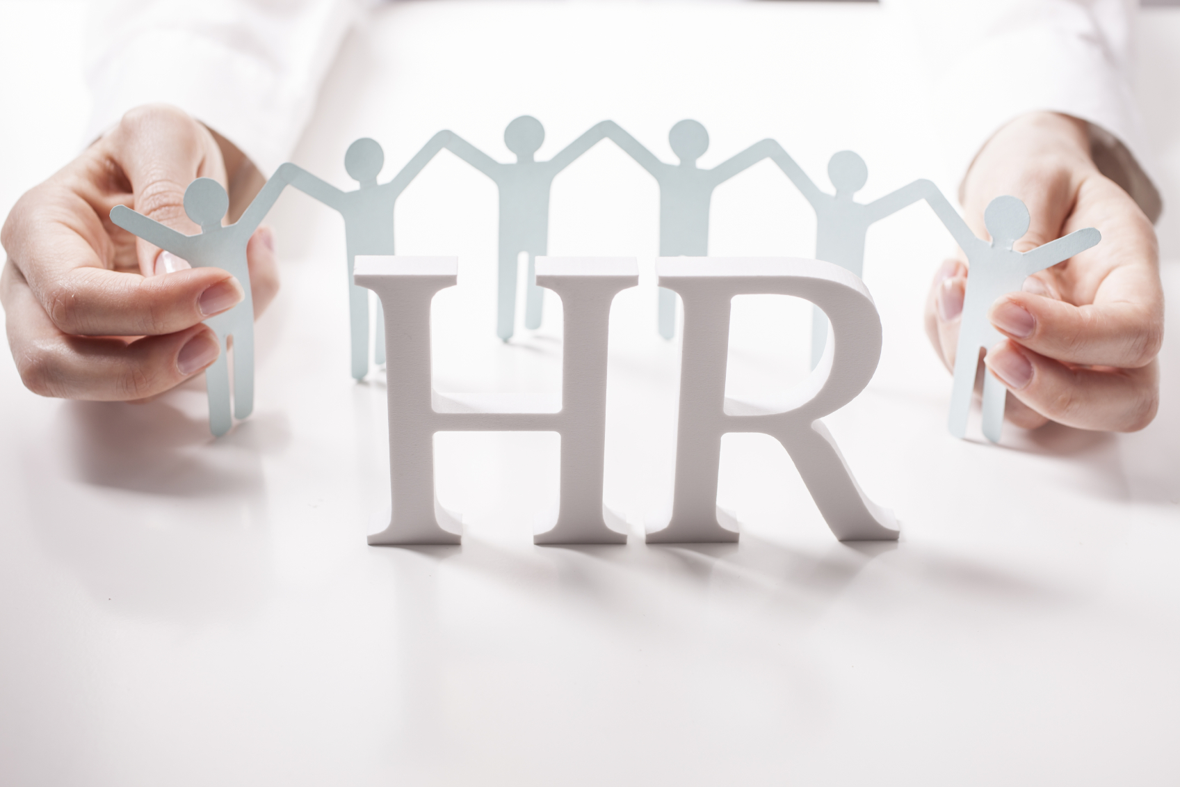 human resources and hr data The average hr data analyst salary in the united states is $61,297 as of september 28, 2018, but the range typically falls between $53,316 and $70,527 interprets data to assist in planning and developing human resource management decisions used for staffing, productivity and training.